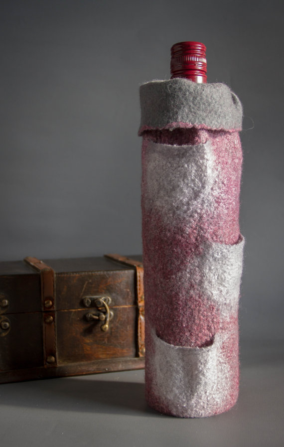 Insulated felted wine bottle