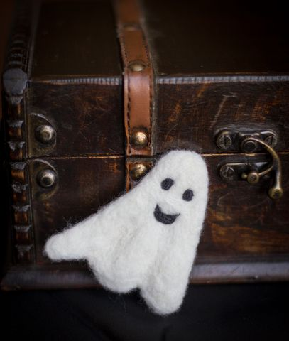 Halloween felted small ghost