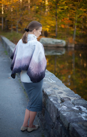 felted poncho with collar decorated with brilliant buttons