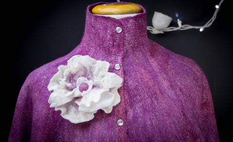 sleeveless shawl -with rivets