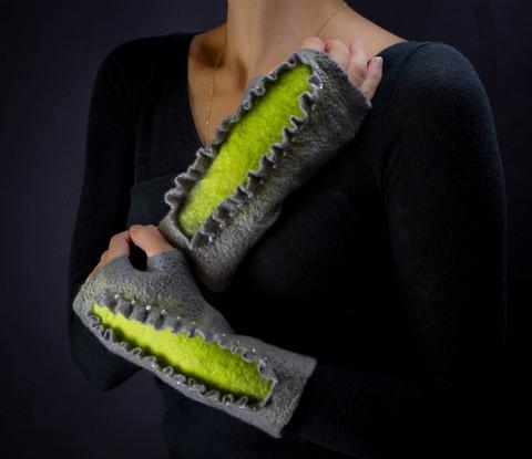 wool Beaded fingerless gloves gray-green