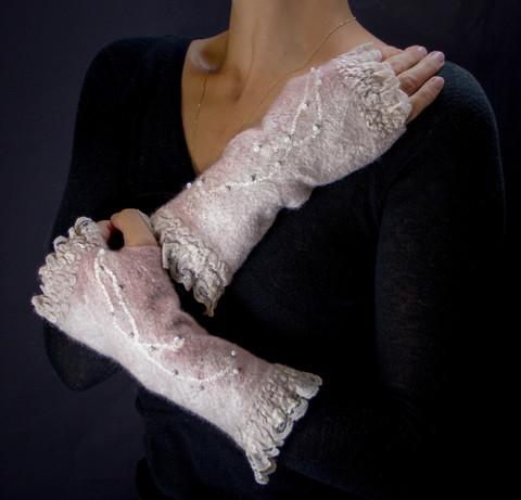 felted-fingerless-mittens