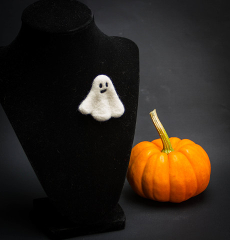 hand felted Halloween small ghost pin