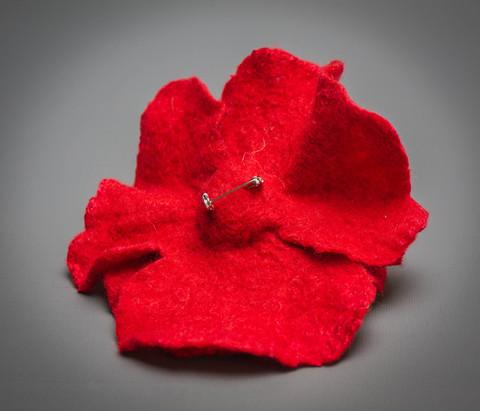 felt Red poppy flower brooch