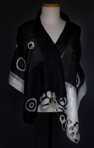 shawl felt