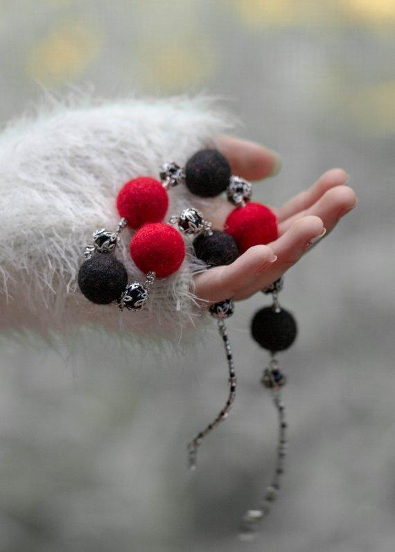 wool jewelry Art necklace