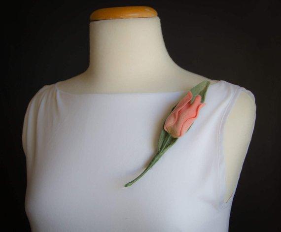 Wool jewelry Tulip
